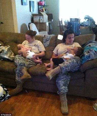 美女兵穿军装集体喂奶照